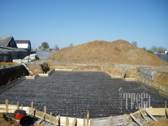 Подготовка к заливке фундамента будущего храма